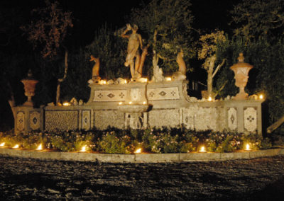 fontana monumentale illuminata