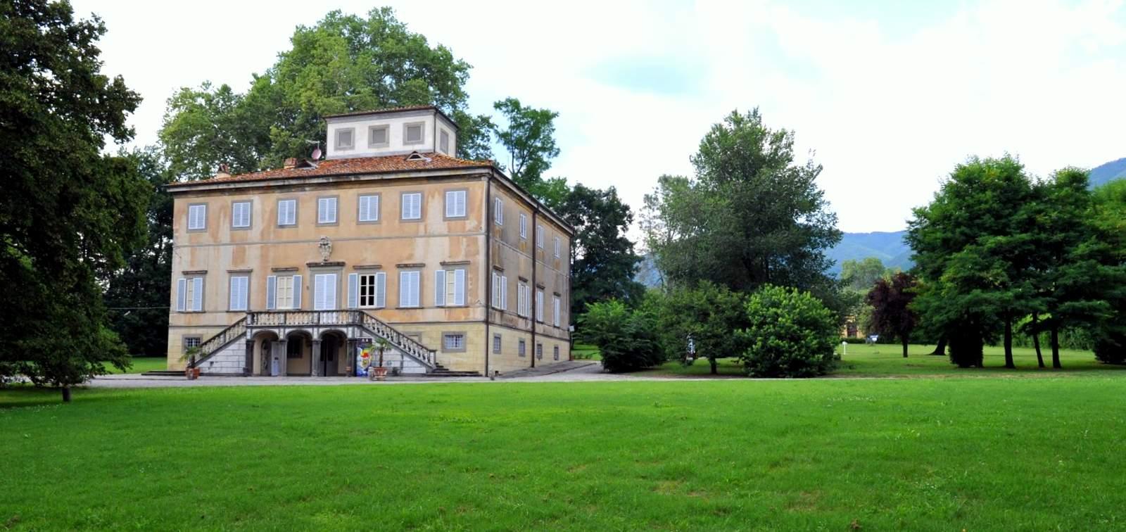 Una veduta del Parco e della Villa Mazzarosa